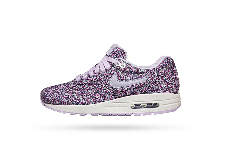 Maria-Sharapova-Nike-Air-Max-liberty
