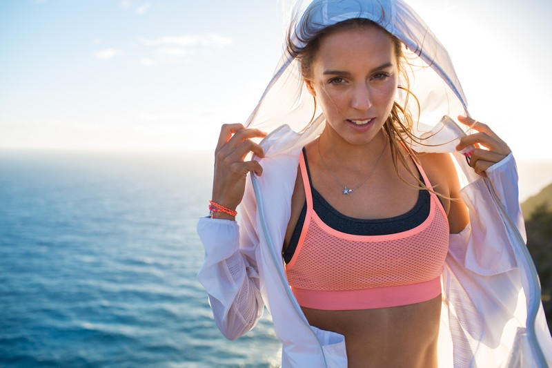 Sally-Fitzgibbons_Outdoor_Fitness